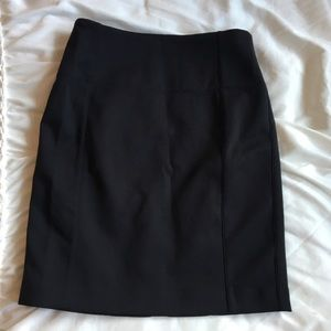 Brand New Lululemon Pencil Skirt size 4